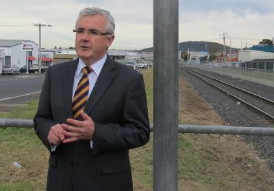 Labor, Liberals and Greens failing on light rail